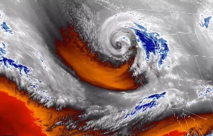 Wow! Ciclón bomba azota los Estados Unidos