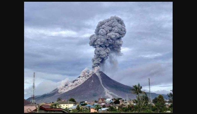 Volcan en Indonesia