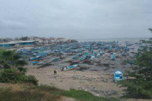 El mar se retira en Santa Rosa, Salinas, Ecuador