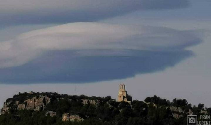 Misteriosas nubes en España