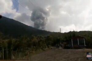 Se registra explosiones de 300 metros en el volcán Pacaya de Guatemala
