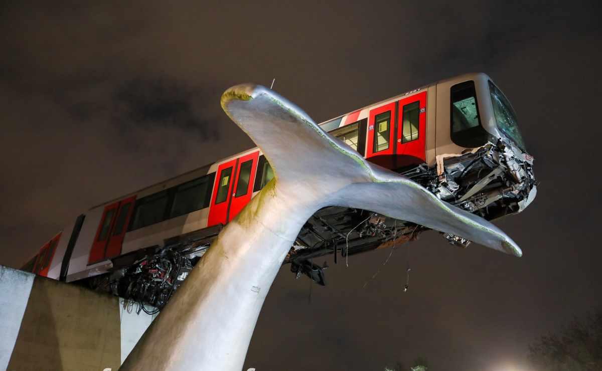 Tren se descarrila y escultura evita una tragedia en Países Bajos.