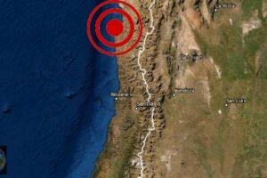 Chile sacudido por un potente sismo y provoca apagones en Videos